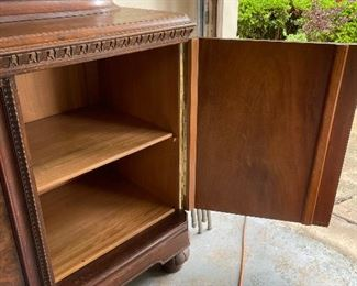 Showing the inside of the Sideboard