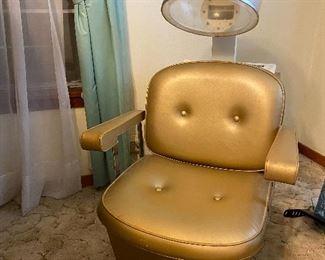 Vintage Grand Prix Salon Dryer Chair... works great