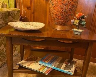 Mid Century Modern Table (3 pc table set available) and Lamp