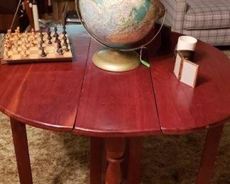 World globe, chest set