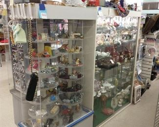 All kinds of collectibles!!! Lenox, Fitz & Floyd, Capodimonte, etc.
