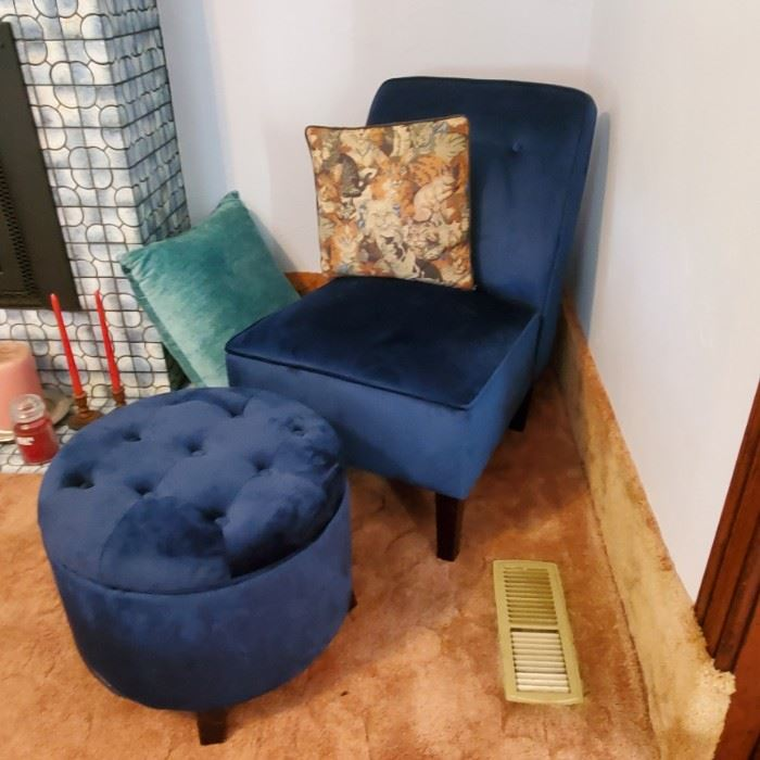 Cool Lounge chair with ottoman