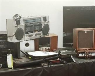 Vintage Radios with Speakers Routers Electronics