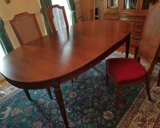 Thomasville dining set: china cabinet, table w/ 6 chairs & leaves and server