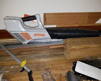 Stihl battery powered leaf blower