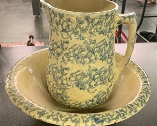 Spongeware pitcher and bowl set