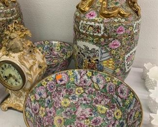 Qianlong Chinese Famile Rose Bowl with gold accents