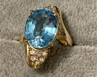 14k dia and topaz cocktail ring