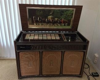 Rock-ola Integrated Circuit Solid State Stereophonic Music System Model 456.Phonograph Console Juke Box.