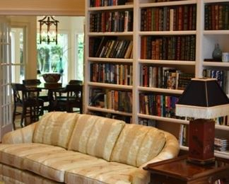 Gorgeous home with beautiful furniture, art, accessories. LOTS of books! Several sofas! Lots of lamps!