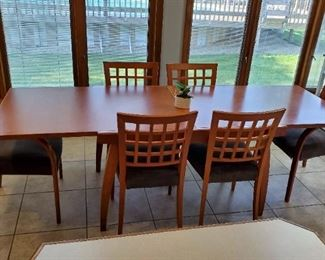 Calligaris Italian Extendable Dining Table and Six Chairs (4 side and 2 arm) Expands to Size: 94 1/2 x 35 x 30
