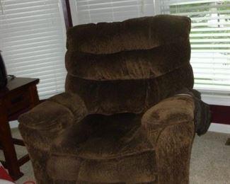 Oversize recliner