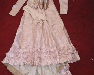 Fab Victorian wedding dress with shoes size small