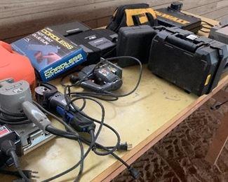 Many tools'