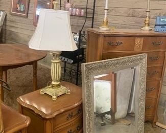 Dressers, Mirrors & Lamps!