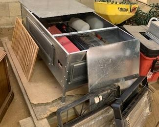 Brower Chick & Qual Brooder and accessories
