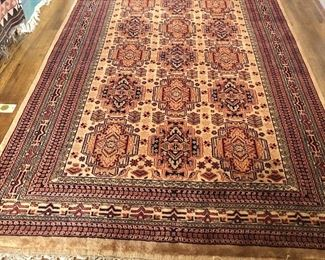 $650 Kashmir Large carpet with fringe 91/2 feet by 6 feet (not including fringe)