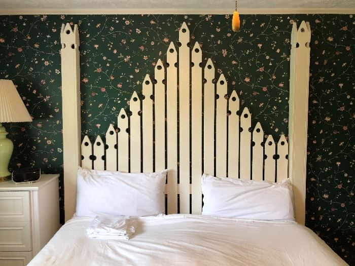 Great white picket fence bed