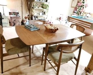 Mid Century table and 6 chairs