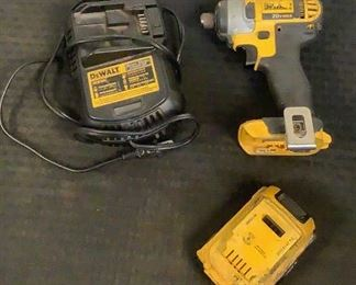 """9 Image(s) Located in: Chattanooga, TN MFG DeWalt Model DCF885 1/4"""" Impact Driver *Battery & Charger Included* *Sold As Is Where Is*  SKU: E-5-B Tested - Works"""
