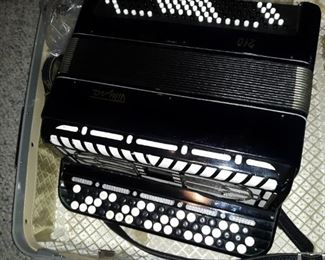 Russian accordian ~ working