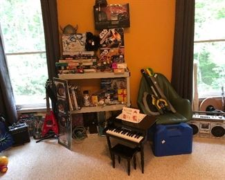 Child's piano, games, Star Wars, books, toys, vintage green chair and much more!!