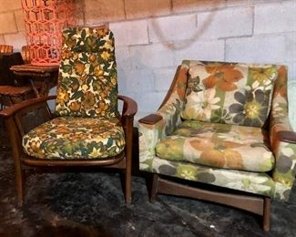 Two mid century chairs! Amazing!!