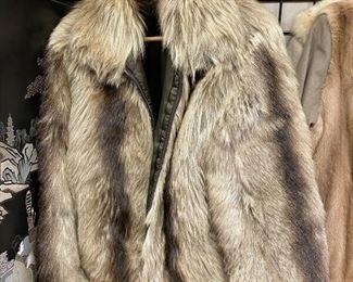 https://www.ebay.com/itm/124751143945TM9416 Fur Coat by M Julian Size 38 LLama?Auction