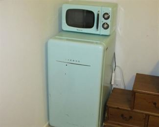 Retro Daewoo Fridge & Retro Magic Chef Microwave