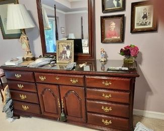 . . . love this piece to the set -- a large mirrored dresser