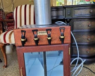4 bottle Winekeeper with tank and tubing