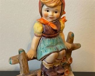 """HALF OFF!   $15.00 NOW, WAS $30.00...................Hummel marked Goebel 4"""" tall (G041)"""
