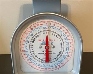 """CLEARANCE !   $10.00 NOW, WAS $40.00.....................Vintage Coin Scale 8 1/2"""" tall (G028)"""