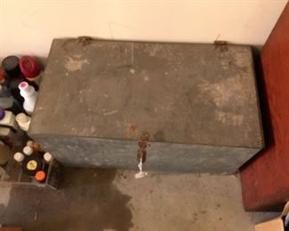 """Antique metal ice chest Good condition. Measures approximately 13"""" tall x 25 1/2"""" long 13 1/2"""" deep."""