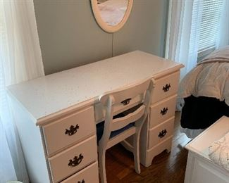 Sweet Desk and Chair