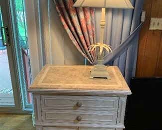 NICE SHABBY CHEST AND LAMP