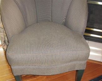Brown/tan check chair-like new!