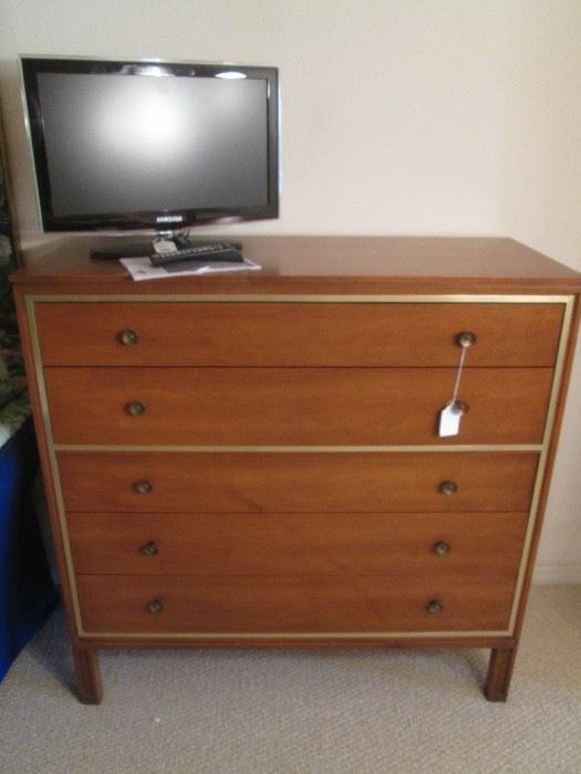"""MCM Century Furniture Co. Chest of Drawers, Fine Furniture Maker!!!  Size:  44"""" X 19"""" X 45"""""""