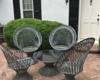 Vintage spun fiberglass Russell Woodard Style outdoor dining set.