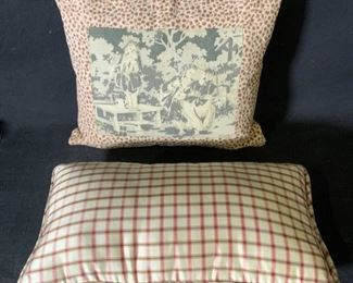Lot 2 Plaid and Leopard Print Throw Pillows