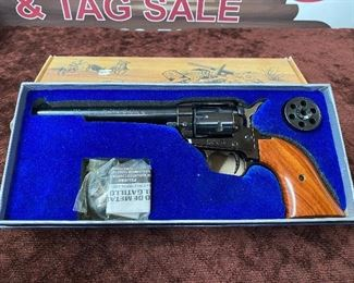 """Heritage Arms Model RR22MB6 with 6+1/2"""" Barrel (22LR and 22 Magnum Cylinders/SN F75106/Permit or CCW Required for Purchase)"""