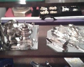 Silverplate, Asian collectibles.