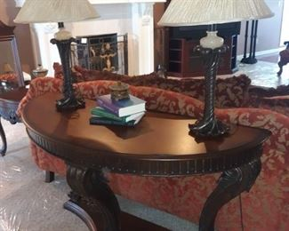 Solid wood Sofa table and decorative lamps