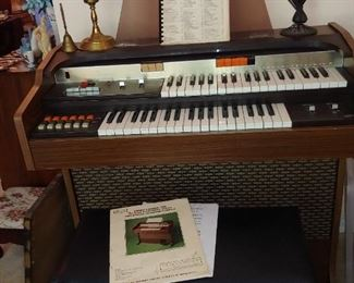 Organ, sounds good! Storage Bench