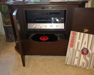 Vintage Radio & Turntable in Cabinet