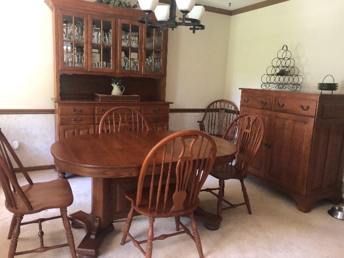 Amazing Keller dining room set. High Quality furniture. Solid wood. All pieces as shown. Asking $1200
