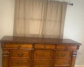 Wooden Dresser (73 x 20 x 38.5): $250