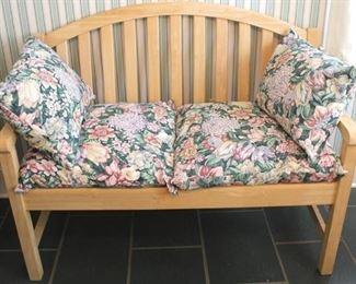 28 - Wood double settee 38 x 46 x 22