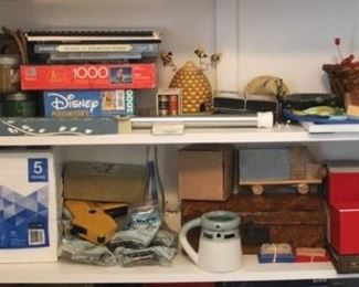 62 - Shelf lot - 2 middle shelves