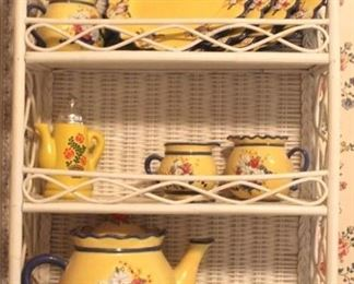 91 - Wicker shelf with tea set